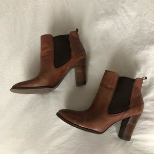 ✨GENUINE LEATHER camel ankle boots heels ✨